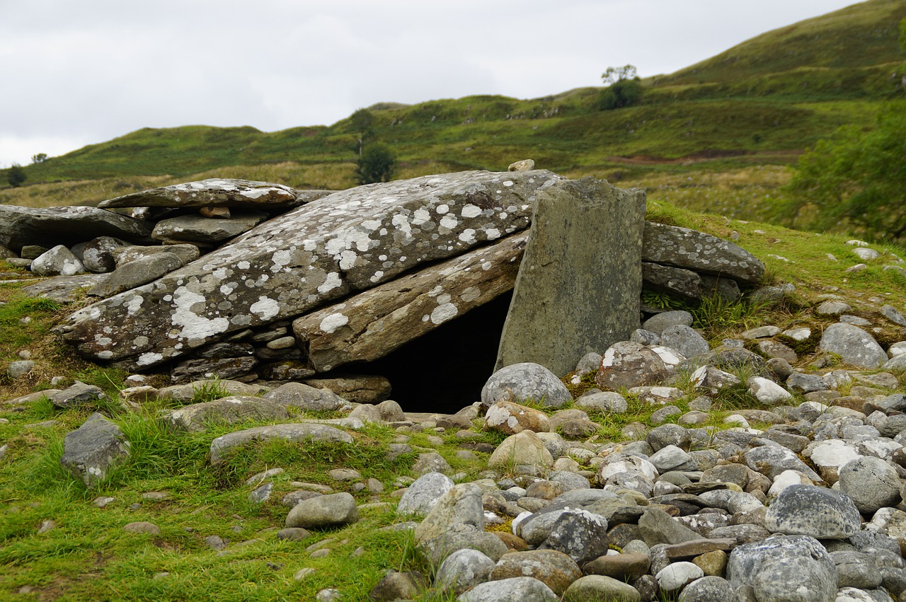 Read more about the article The Stone was Rolled Away and the Tomb is Empty